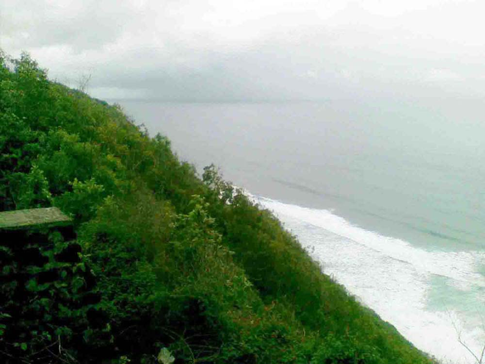 Exclusive luxury Bali cliff-front land for sale on the best area of Pecatu