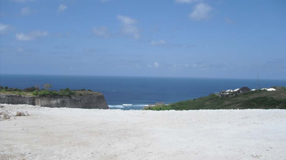 Elegant cliff front real estate Bali on a prime location of Ungasan