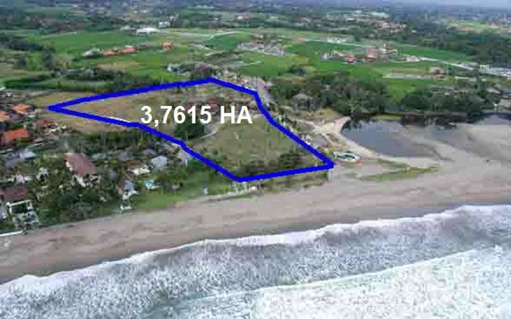 Beautiful beachfront real estate Bali in the area of Canggu