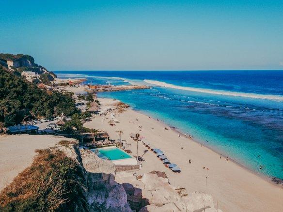 Fabulous cliff front real estate Bali Ungasan prime location