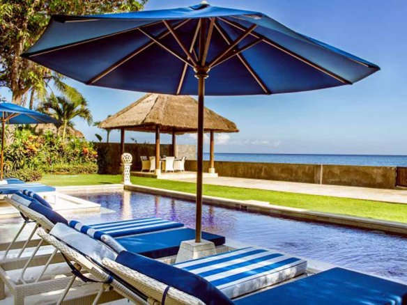 Fabulous beachfront villa for sale in Bali in the best location of Lovina