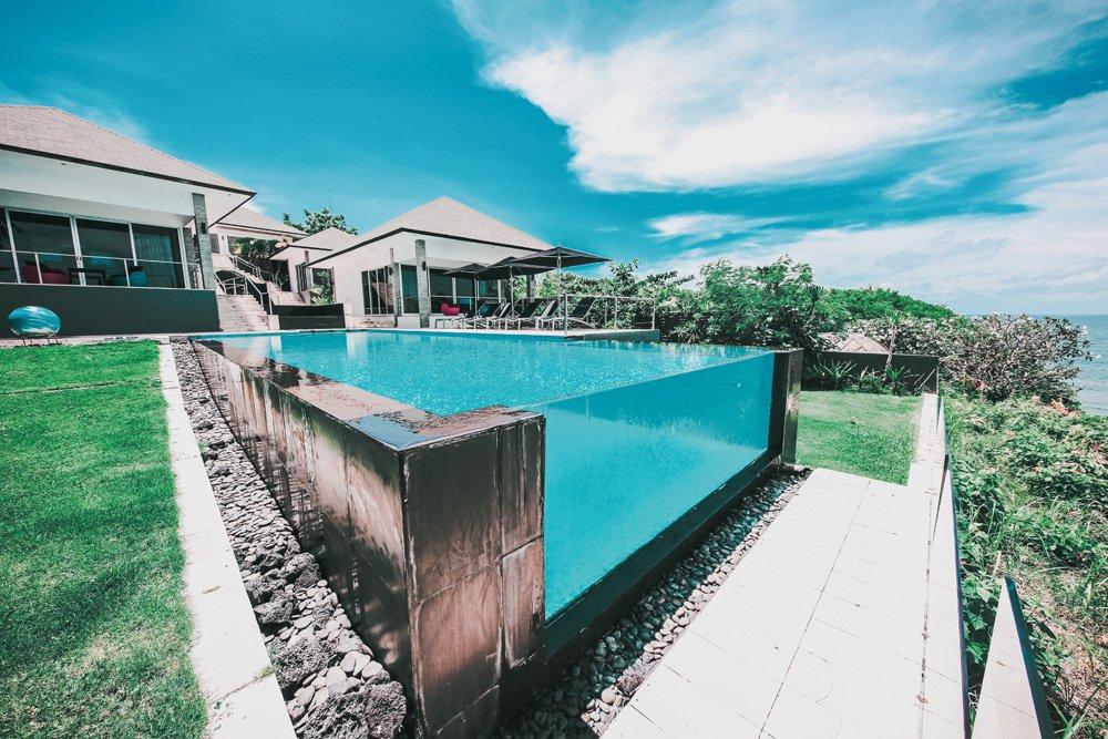 Majestic cliff front villa for sale Bali in Uluwatu billionaire row